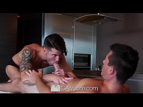 GayRoom Massage turns into hot fuck with Casey Everett and Ryan Pitt