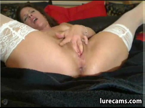 Horny squirting woman