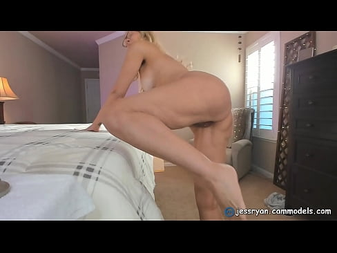 Sexy Milf Camgirl Jess Ryan Gives Another Honest Dick Review  jessryan.manyvids.com