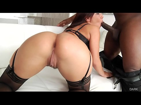 Camsex99 Amara Romani Gets Her Ass Stretched