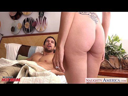 Busty naughty america threesome xvideo