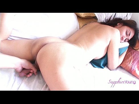 Clip sex Amateur Shemale Sapphire Young Getting A Special Morning Wake Up
