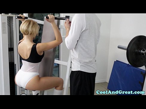 cover video bigtitted sk ank bouncing spotters dick in gym