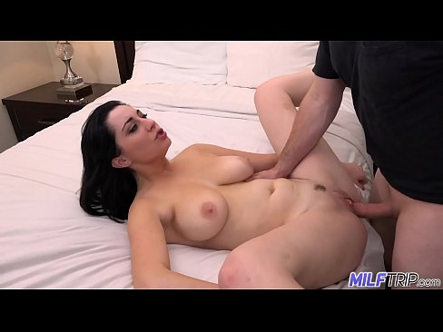 Clip sex MILF Trip - Thick MILF Gets Fucked by fat cock - Part 3