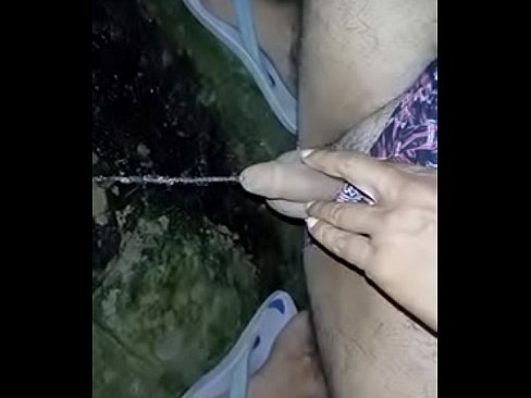 Pissing on ground in the night - Download mp4 XXX porn videos