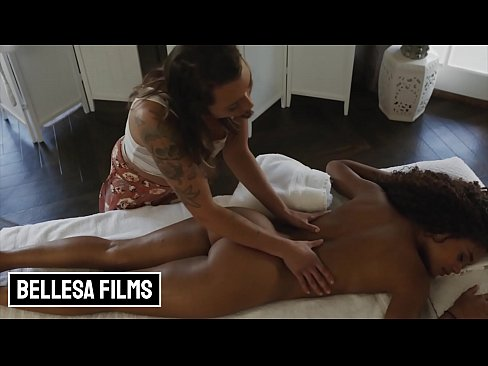 Clip sex (Scarlit Scandal) Gets A Full Body Massage From Horny (Piper Cooper) - Bellesa