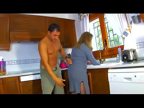 cover video housewife mistreated and fucked in the kitchen while she wash the dishes