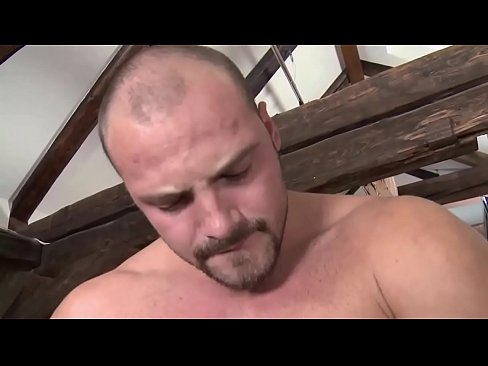 Handsome and well built hunk chris is sucking dick