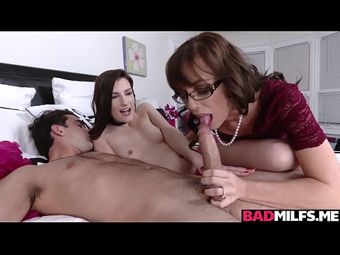 Step moms turn to get her pussy drilled from behind!