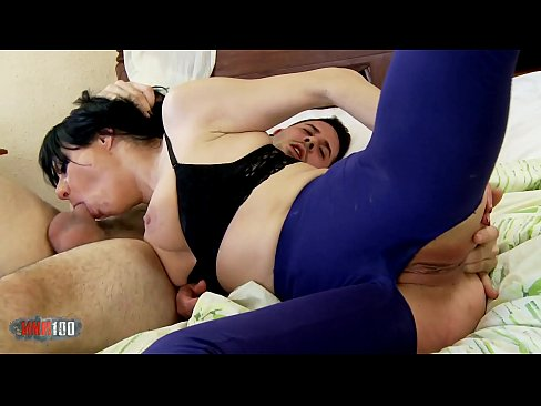 Spanish MILF Damaris hard anal sex and squirting with Kevin White