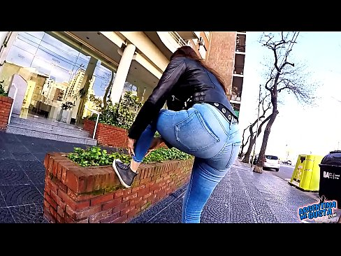 Big Ass Big Hips and Cameltoe Brunette Babe In Tight Jeans in Public's Thumb
