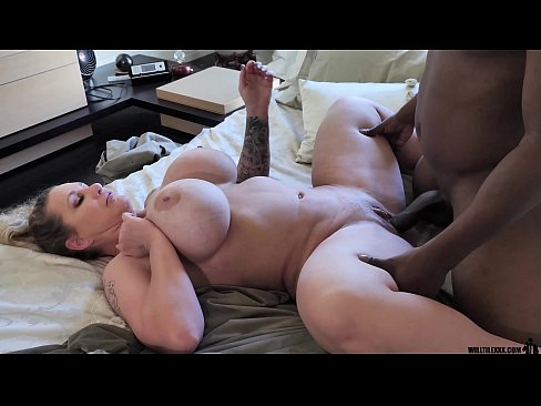 Thick PAWG MILF gets fucked by BBC on date night