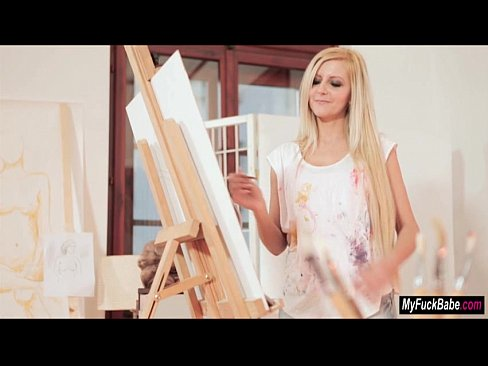 Stepmom Summer paints Diore before and after a threesome