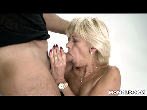 Granny squirts on a hard cock - Diane Sheperd and Mugur - Lusty Grandmas