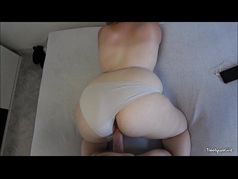 Clip sex Horny daddy fucks daughters giant ass