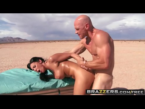 Hot Nurse (Rachel Starr) gets pounded by (Johnny Sins) big cock - Brazzers