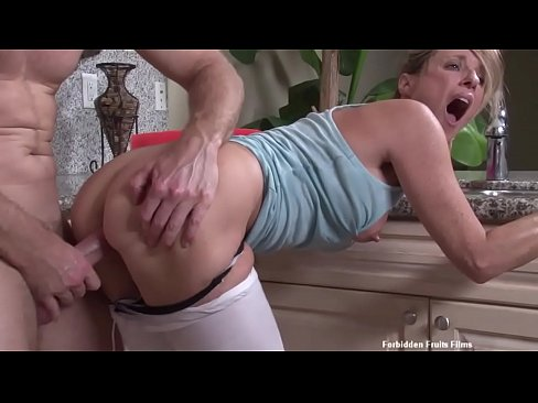 Stepson Fucks Stepmom Jodi West While She's Stuck In The Sink