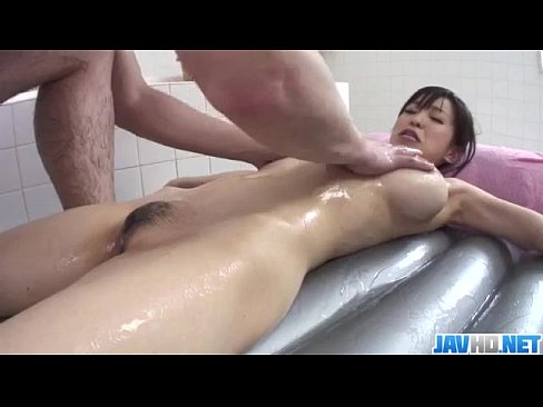 Clip sex Miina Kanno takes on a big dick while in the shower