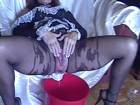 Pantyhose Extreme pissing