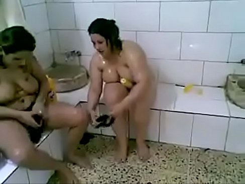 Arab Girls Playing In Bathroom - Xnxx.Com.Ts
