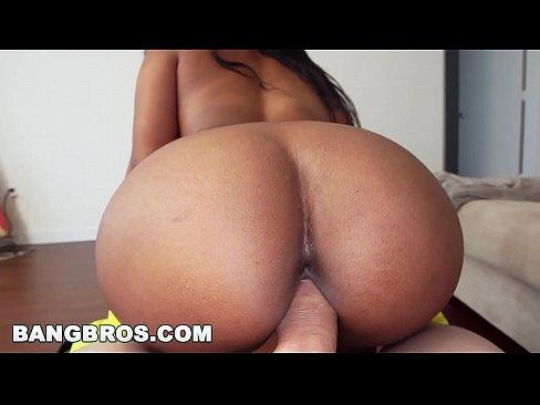 BANGBROS – Sexy Black Maid Ended Up Cleaning My Dick! (mda13645)