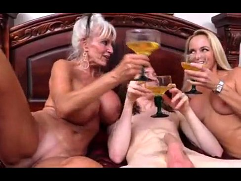 Blonde lesbo sexual xxx