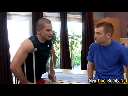 Muscley amateur jock gets fucked