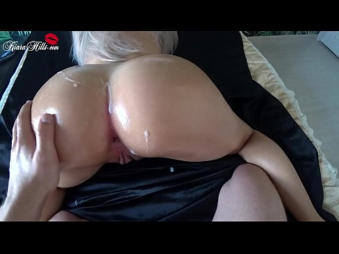 Clip sex Big Booty Babe Deepthroat - Oil Handjob and Cowgirl