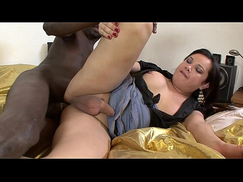 A black cock for a dirty shemale