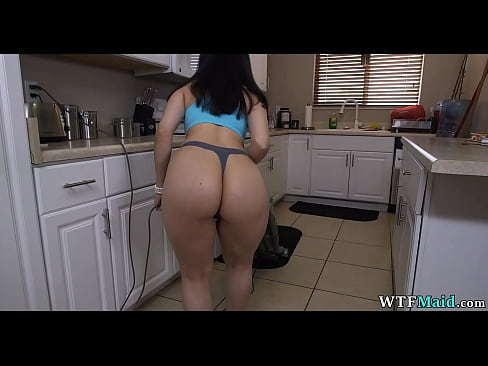 Clip sex 20 year old cleaning girl