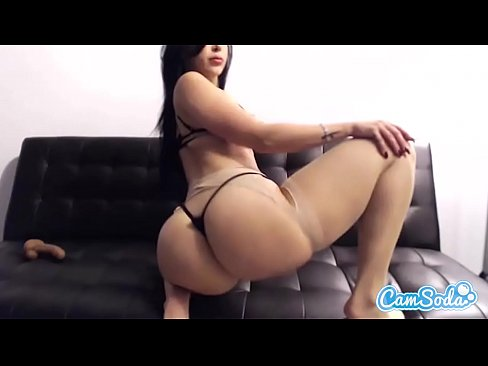 Clip sex Valerie Kay huge tits and ass bouncing on huge dildo.