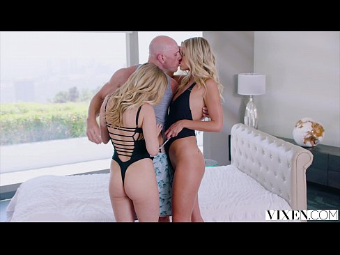 Clip sex VIXEN Two sexy blondes cheat With a Threesome