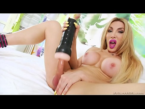ts amateur get fuck dip , black high heels