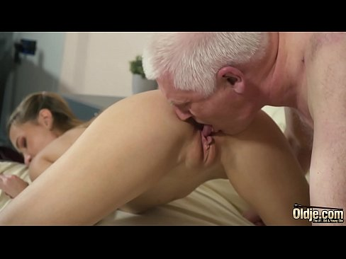 Clip sex Old professor pounds some tight college student ass