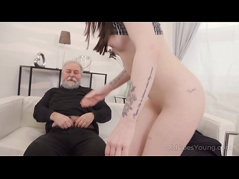 Clip sex Old Goes Young - Cutie turns into a kitty to please an older man
