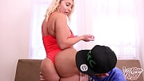 Full Figured Fox Nina Kayy Has Her Snatch Smashed By Big Fucking Cock!