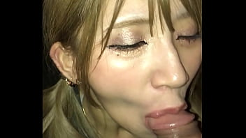 Girlsbar worker gives blowjob outside 51秒