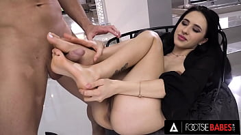 FootsieBabes Alyssa Bounty Foot-Fucked Me Until I Came On Her Toes!