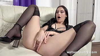 Dark Haired Hottie Toys Shaved Pussy
