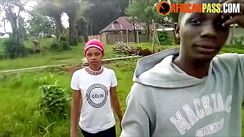 Young African Girl Picked Up and Fucked in Public Park