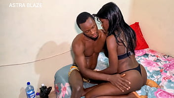Dark skinned ebony under graduates from ebonyi state University have hard core sex during the sit at home in August 10分钟