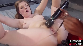 Ebony bdsm lezdom toying pussy and ass during kinky session 6分钟