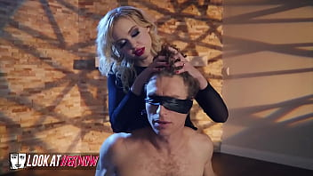 Sexy Domme (Chloe Cherry) Shows (Michael Vegas) Whos In Control Now - Look At Her Now 10分钟