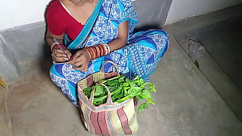 Village Girl Got Chuckled By City Uncle Selling Vegetables